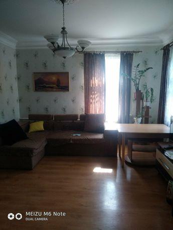 Продается пол дома в центре города Конотоп