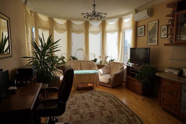 Продам 2 ком. квартиру ул. Дмитриевская 69