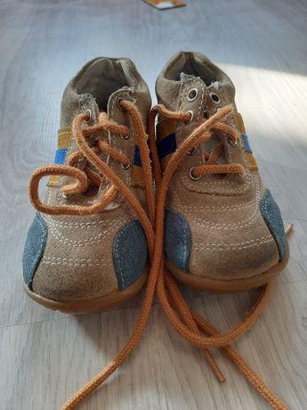 Весенние ботиночки на самого маленького