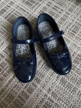 Туфлі ,балетки George
