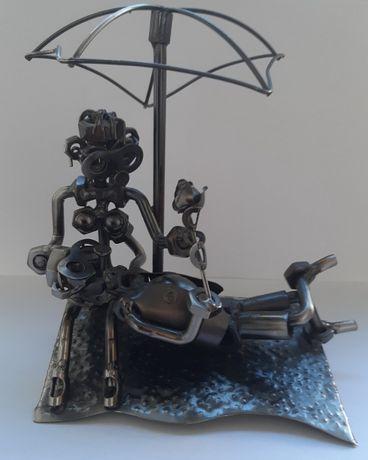 Сувенир из болтов и гаек (Парочка под зонтом)