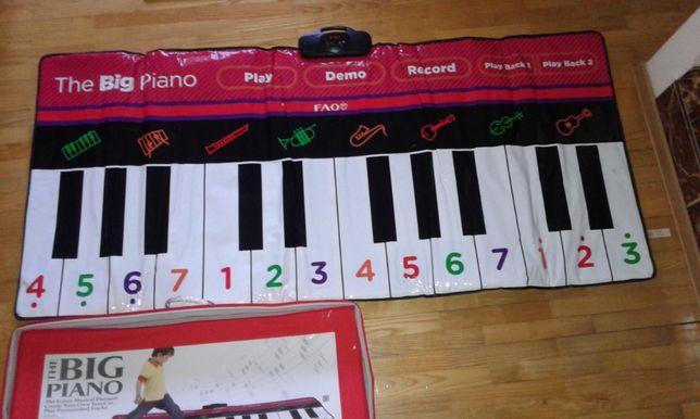 mata grająca-piano (160 cm) + tańcząca gąsienica