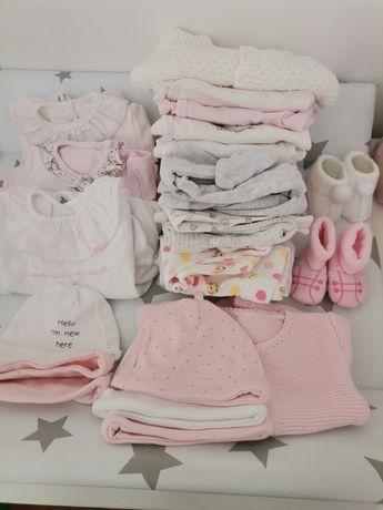 Conjunto de roupa bebé