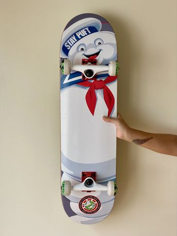 Skate ELEMENT Ghostbusters, nunca usado