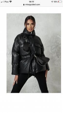 czarna kurtka puffer ze sztucznej skóry Missguided 38
