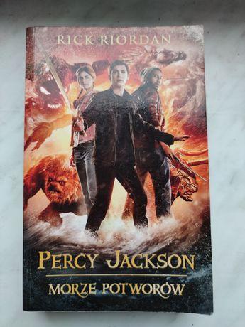 """Książka """"Percy Jackson Morze potworów"""" Rick Riordan"""