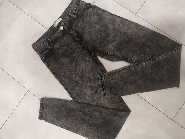 Spodnie rurki bershka S 36 jeansy dopasowane marmurki