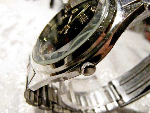 Часы Royal в коллекцию,новые, кварцевые, механизм Гонконг, мужские