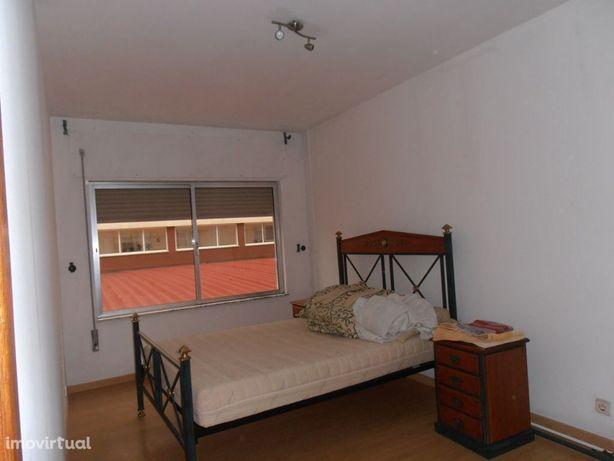 Apartamento T1 em Fátima a 3 minutos do santuário mobilado