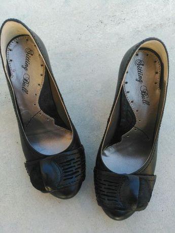Sapatos Pretos (NOVOS)