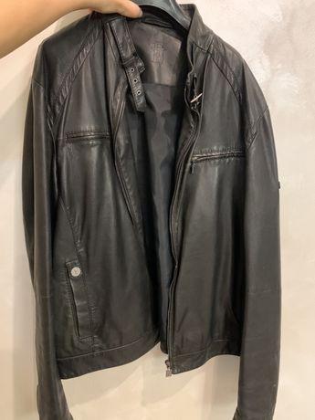 Кожанная мужская куртка Trussardi