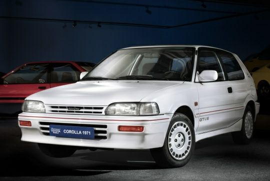 Material Toyota Corolla