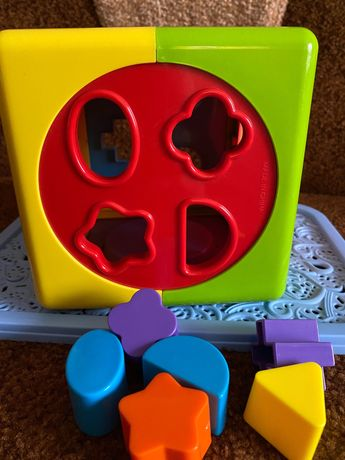 Розвиваюча іграшка «Розумний куб»