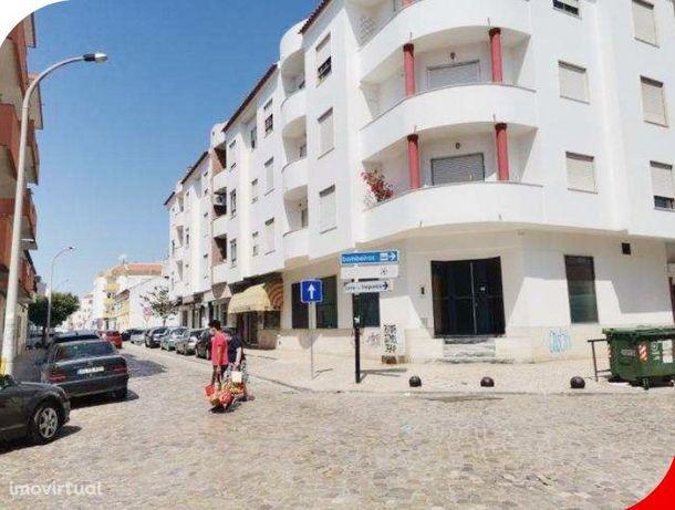 Loja c/ 119 m² + Garagem c/ 107 m² - Pinhal Novo (Imóvel da Banca)