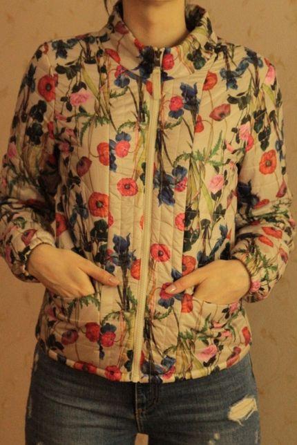демисезонная куртка цветочный принт