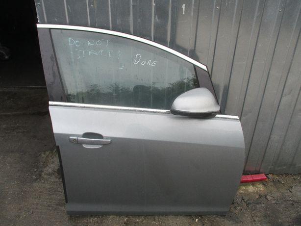 Opel Astra IV J Drzwi prawe przednie prawy przod z179