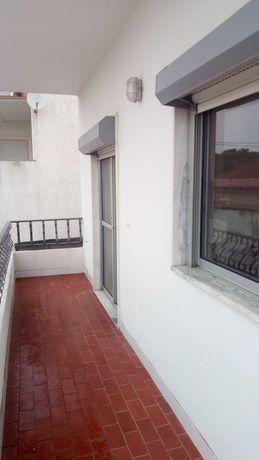 Apartamento T2 Mobilado na Vila Nova de Caparica