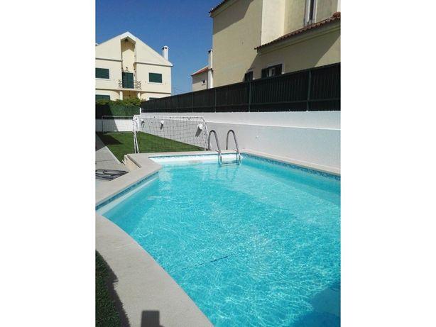 Vende-se fabulosa moradia V5 isolada, com piscina aquecid...