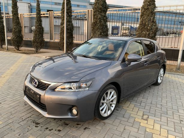 Lexus CT200h 2012год