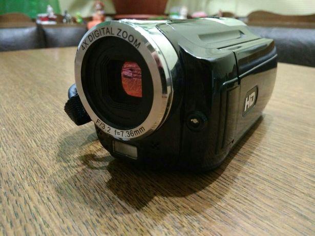"""Продам видеокамеру """"Easypix"""" DVC 527 HD focus"""