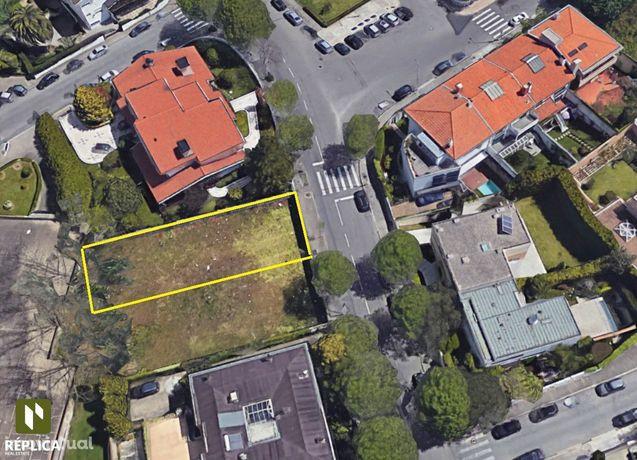 Lote de Terreno com 454 m2 de área total, em Aldoar