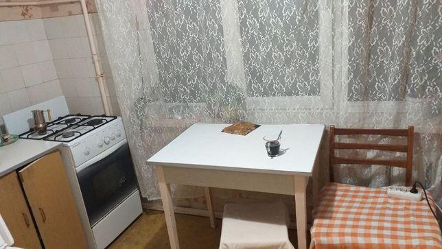 Подселение в комнату для девушки. м. Черниговская