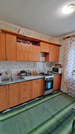 Продається 2-кім. квартира по вул. Дубенська