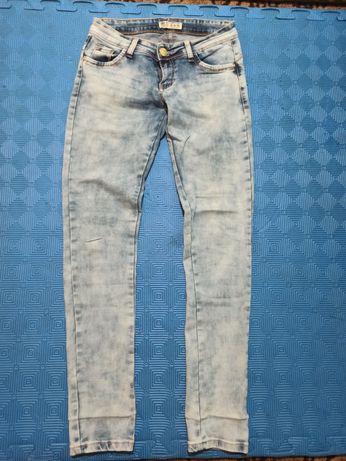 Штани джинсові розмір 28, десь на 44