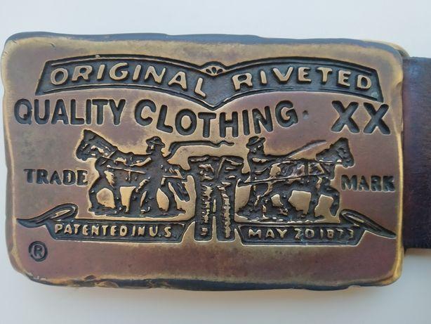 ремень levi's,винтаж ,100%оригинальный,кожа, коричневый , бляшка бронз