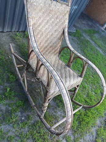 Fotel wiklinowy bujany duży