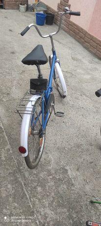 Велосипеди два Аиста і Тиса