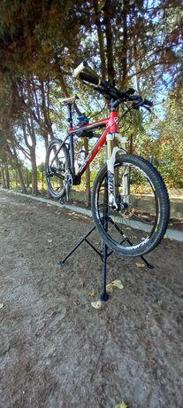 Bicicleta em Carbono Roda 26