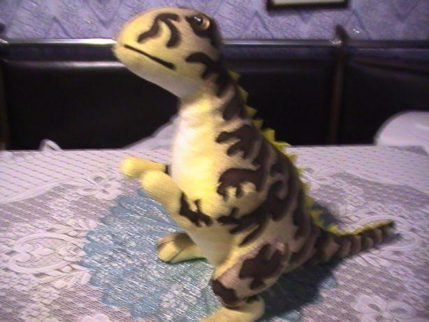 Мягкая детская игрушка динозавр - в хорошем состоянии.