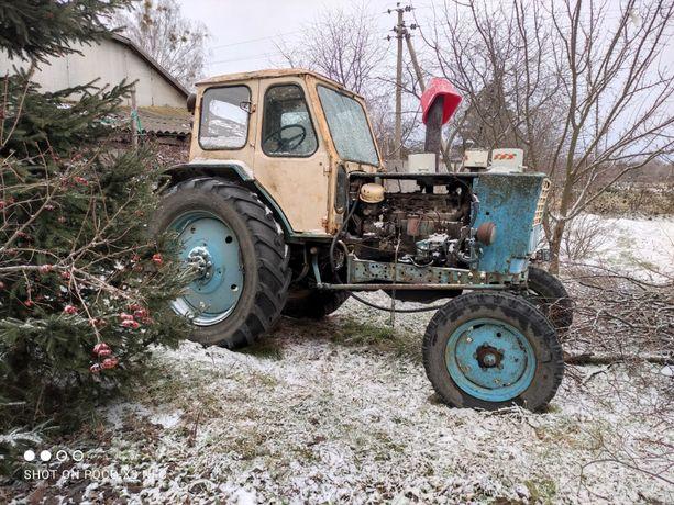 Трактор ЮМЗ-6 на ходу. Есть документы.