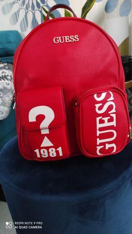 Plecak czerwony guess napisy