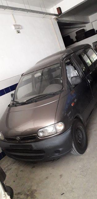 Nissan Vanette Cargo Minibus (HC23) 2.3D 75Cv 8lug 97 para peças