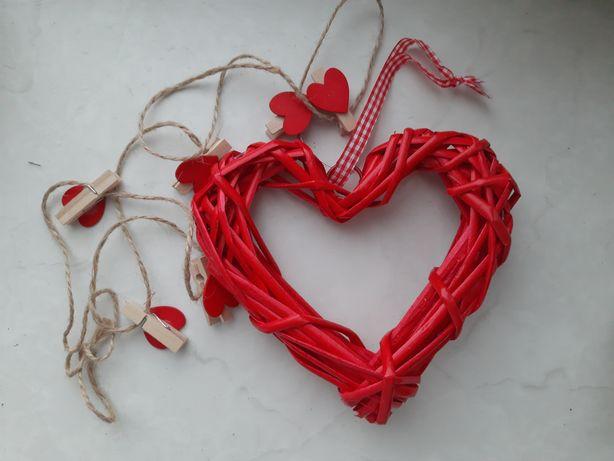 Сердечко и прищепки для дня влюбленных 14 февраля романтическое