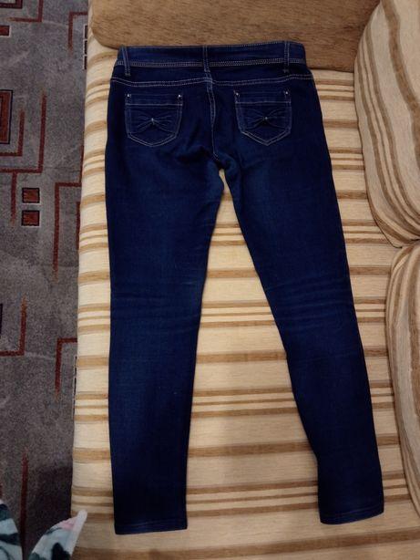 Джинсы / зауженные джинсы