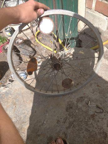 Продам диски 20  на велосипед переднее и заднее торг