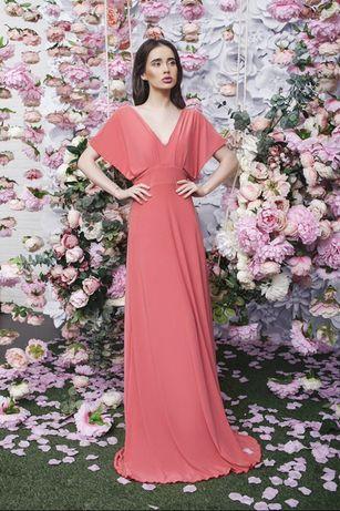 Платье коралловое длинное летнее длинное торжественное стильное