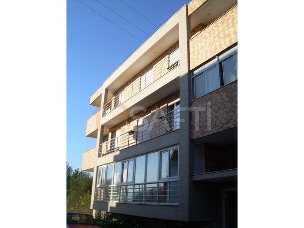 Apartamento T4 de 130m2 em Prado perto da praia fluvial