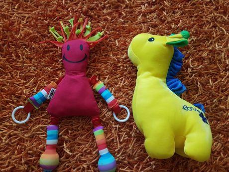 PORTES GRÁTIS - Peluches NOVOS Girafa e Boneco para Bebés