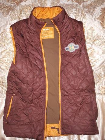 Безрукавка -жилетка куртка на мальчика
