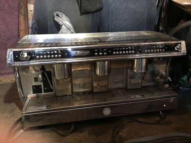 Профессиональная кофемашина Astoria