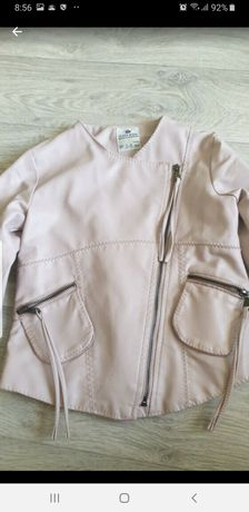 Курточка пудровая 128 р