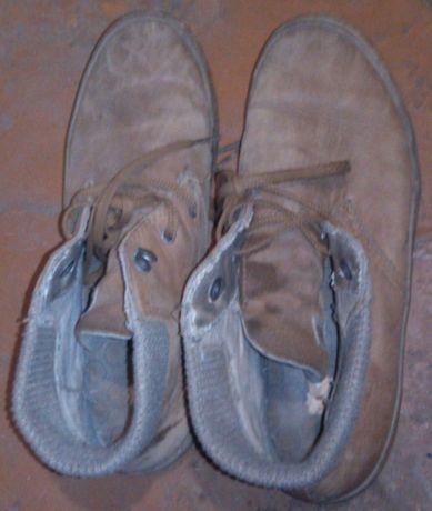 Детские ботинки CAT.Кожа 100%,б/у.Размер написан 37(по стельке 24,3см)