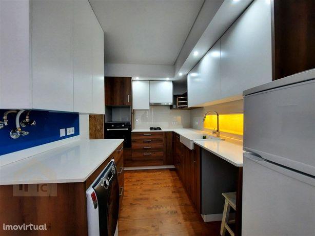 Apartamento T1 - Remodelado - Centro histórico de Alcobaça