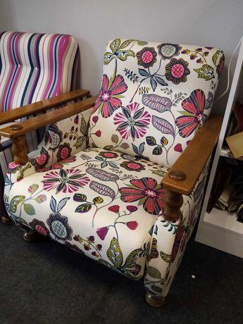 Wygodny fotel. Nowa, nowoczesna tapicerka.