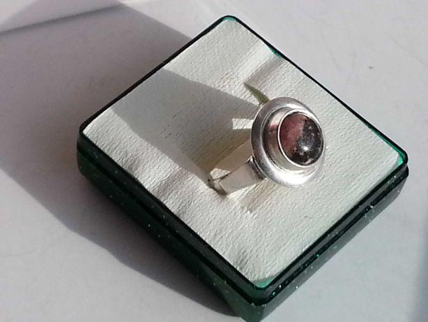 Stary srebrny pierścionek z rodonitem-REZERWACJA