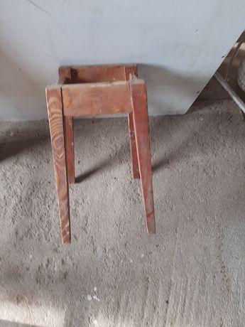 Stelaż drewniany  do taboretu
